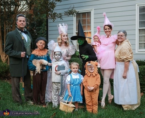 Family Halloween Costume Ideas - The Wizard of Oz