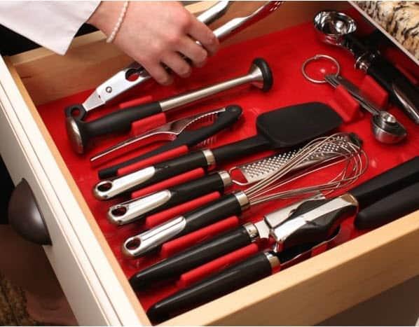 Kitchen Organization Ideas - Kitchen Drawer Organizer by The Pinning Mama